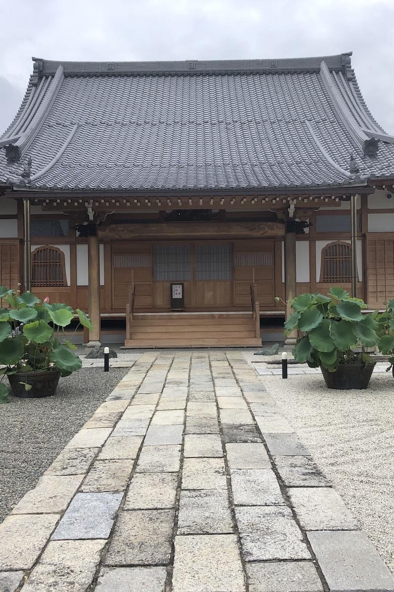 お寺の住職と作る庭